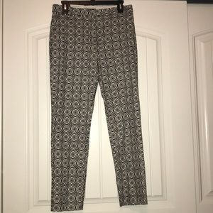 Black and white printed pants